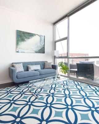 Distinct Lakeview Suites by Sonder