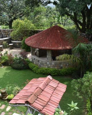 Oxygen Hills View Garden Living