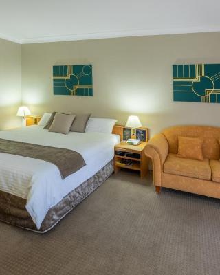 MAS Country Club Inn Motel