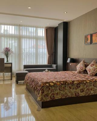 Sunny Serviced Apartment