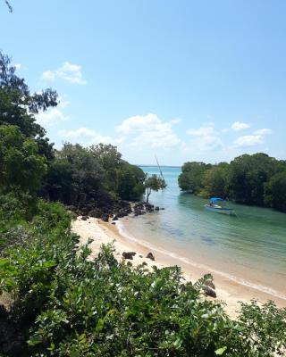 Merry Crab Cove