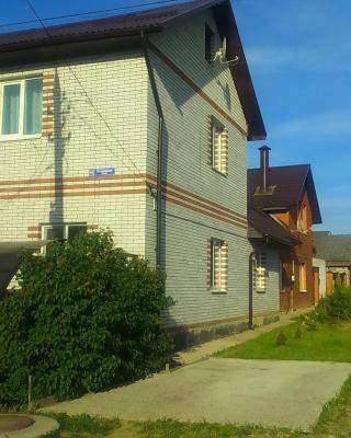 Guest House V Gosti Na Ogorodnoy
