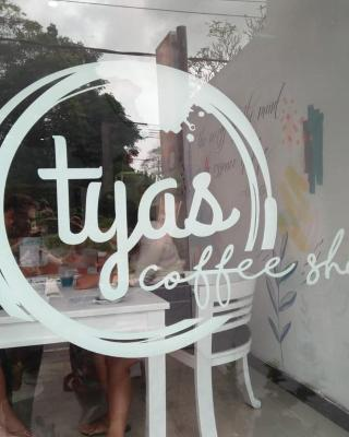 Tyas Family Home