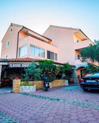 Apartments and Rooms Skalinada