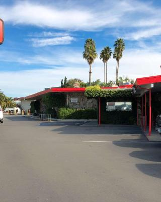 Econo Lodge Inn & Suites Oakland Airport, CA - Booking com