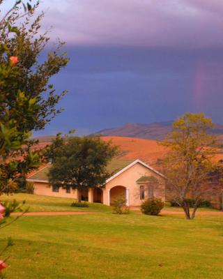Thaba Tsweni Lodge & Safaris