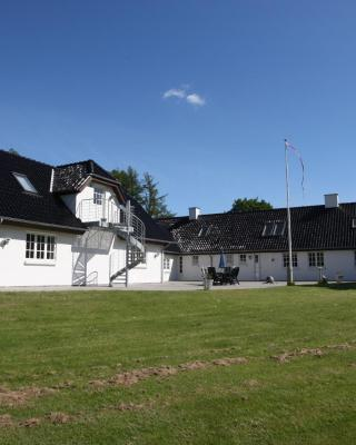 Absalon Ørskov Bed & Breakfast