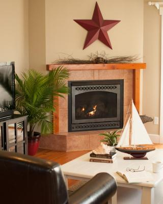 Cozy Harbor Cottage
