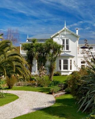 Sennen House Boutique Accommodation