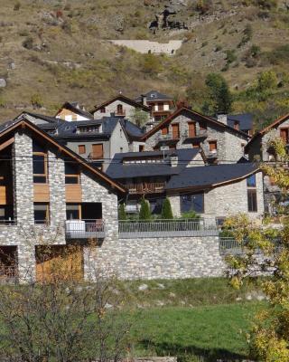 Alba D'Esteve. Casa Rural