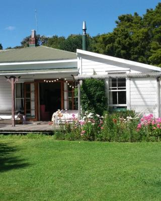 The Innlet, Country Apartments, Cottages and Farmhouse Villa Hostel