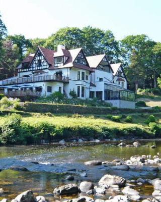 Craig-y-Dderwen Riverside Hotel