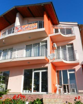 Guest House Rezvaya