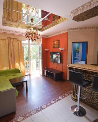 Malibu Guest House