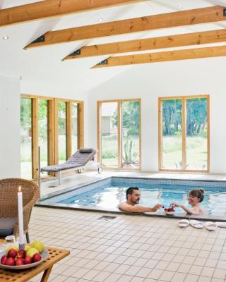 Skedemosse Gård - villa med egen pool