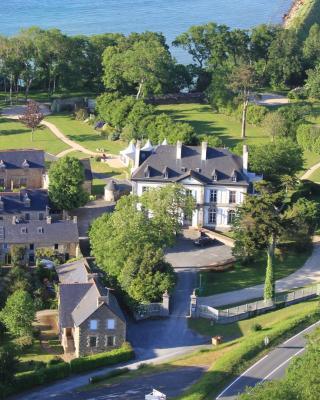 Chateau De Beaussais