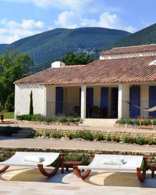 Holiday home La Cheminée des Fées