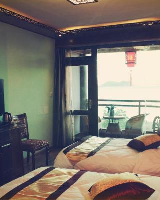 Sunshine Holiday Inn