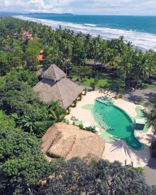 Clandestino Beach Resort