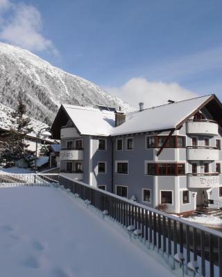 Haus Dorfplatz