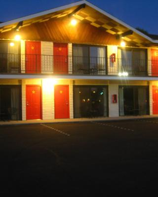 All Star Inn & Suites