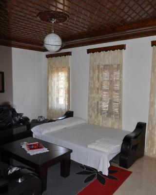 Tomor Shehu Guest House