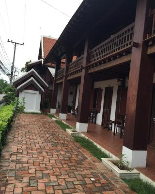 Wooden Charming Boutique Hotel