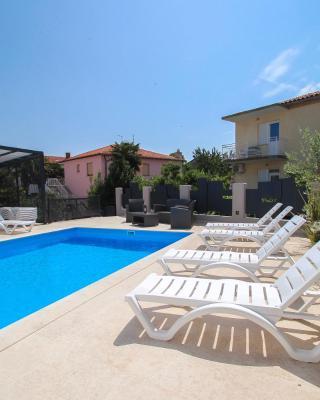 Apartments Villa Rivarella