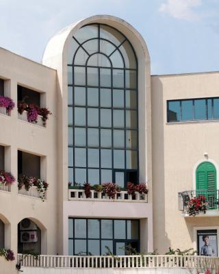 アパートホテル ベルビュー トロギール