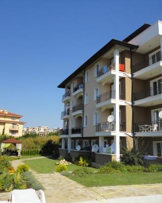 HPM Domus Extra Apartments