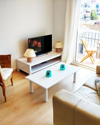 White Mediterranean Apartment