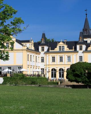 Schloss und Gut Liebenberg