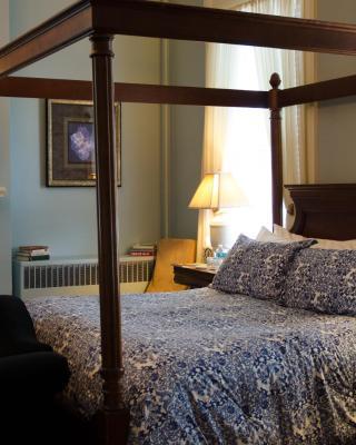 Bourbon Manor Bed & Breakfast Inn