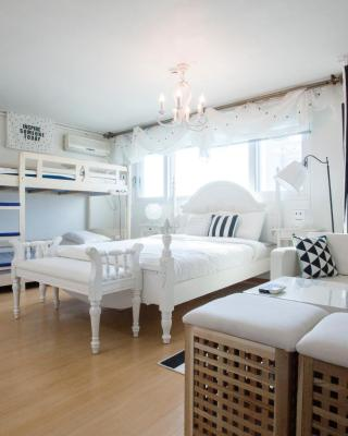 Han River Residence & Guesthouse