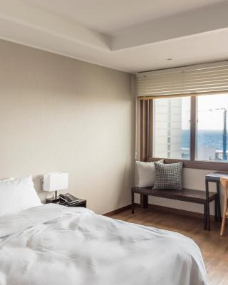 Check Inn Jeju Hotel