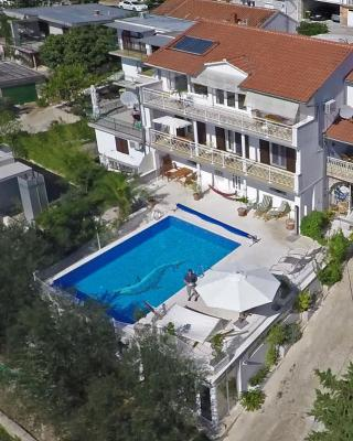 Villa Lana Apartments