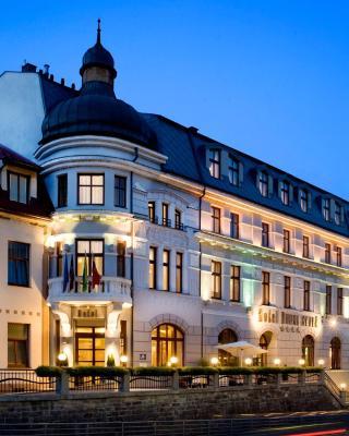 ホテル ドゥブナ スカラ