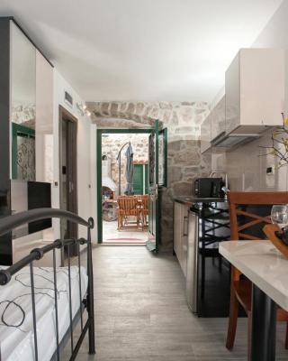 Apartments & Room Kartolina