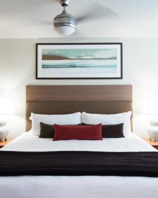 UBC西海岸套房公寓式酒店
