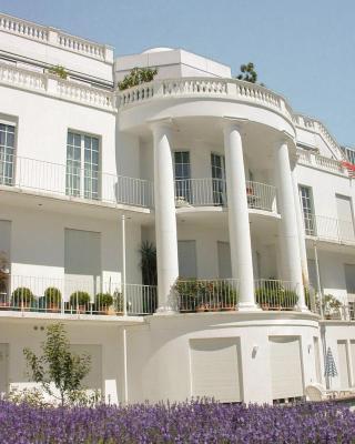 Palais Apartments