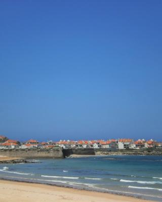 Peniche Beach Apartment Bay