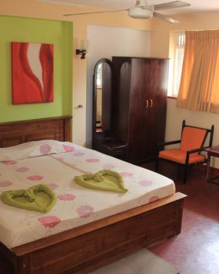 Hotel Orchid Inn