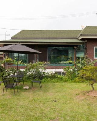 Joie De Vivre Garden Guesthouse