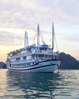 Signature Royal Halong Cruise