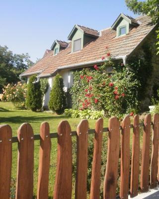 Kapolcs Cottage