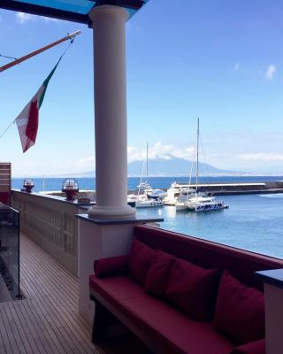 Yacht Club Capo Cervo Suites B&B