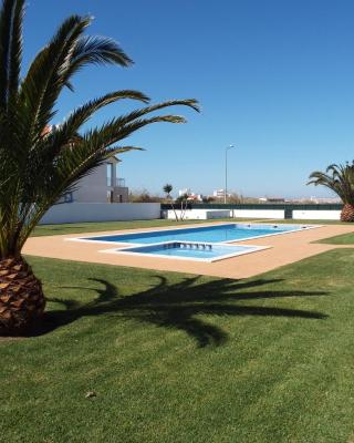 Baleal Holidays - Surf Apartment Pool with Tennis Court