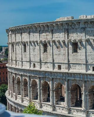 Colosseum Corner