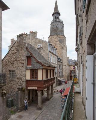 Le Médiéval - Hôtel Le Challonge