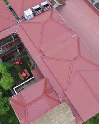 Three Seasons Inn & Spa